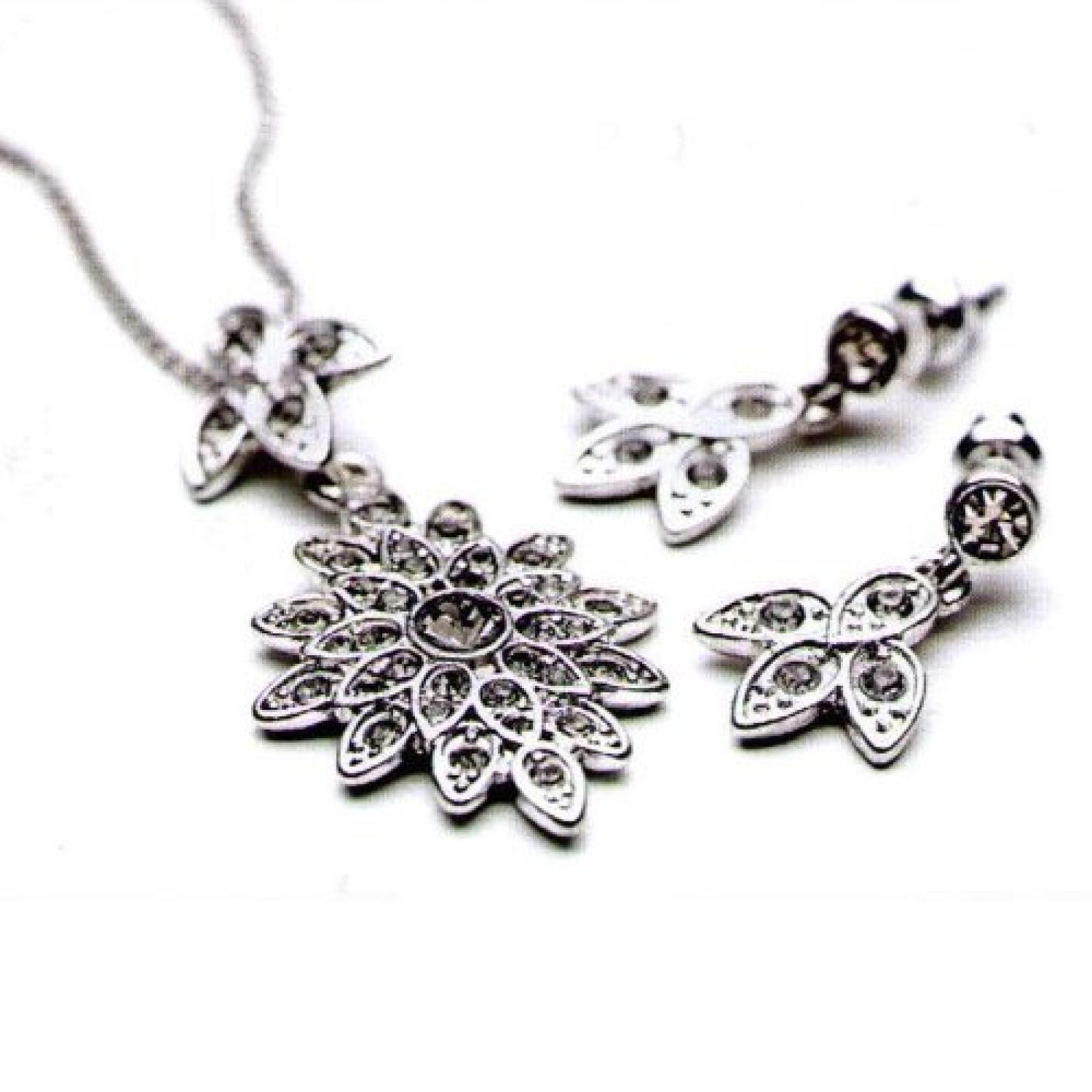PILGRIM Set Geschenkset Halskette + Ohrstecker Blüten silber Swarovski Elements